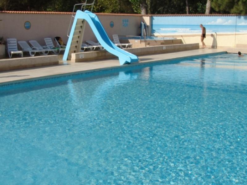 Camping abri de camargue grau du roi camargue port for Camping en camargue avec piscine