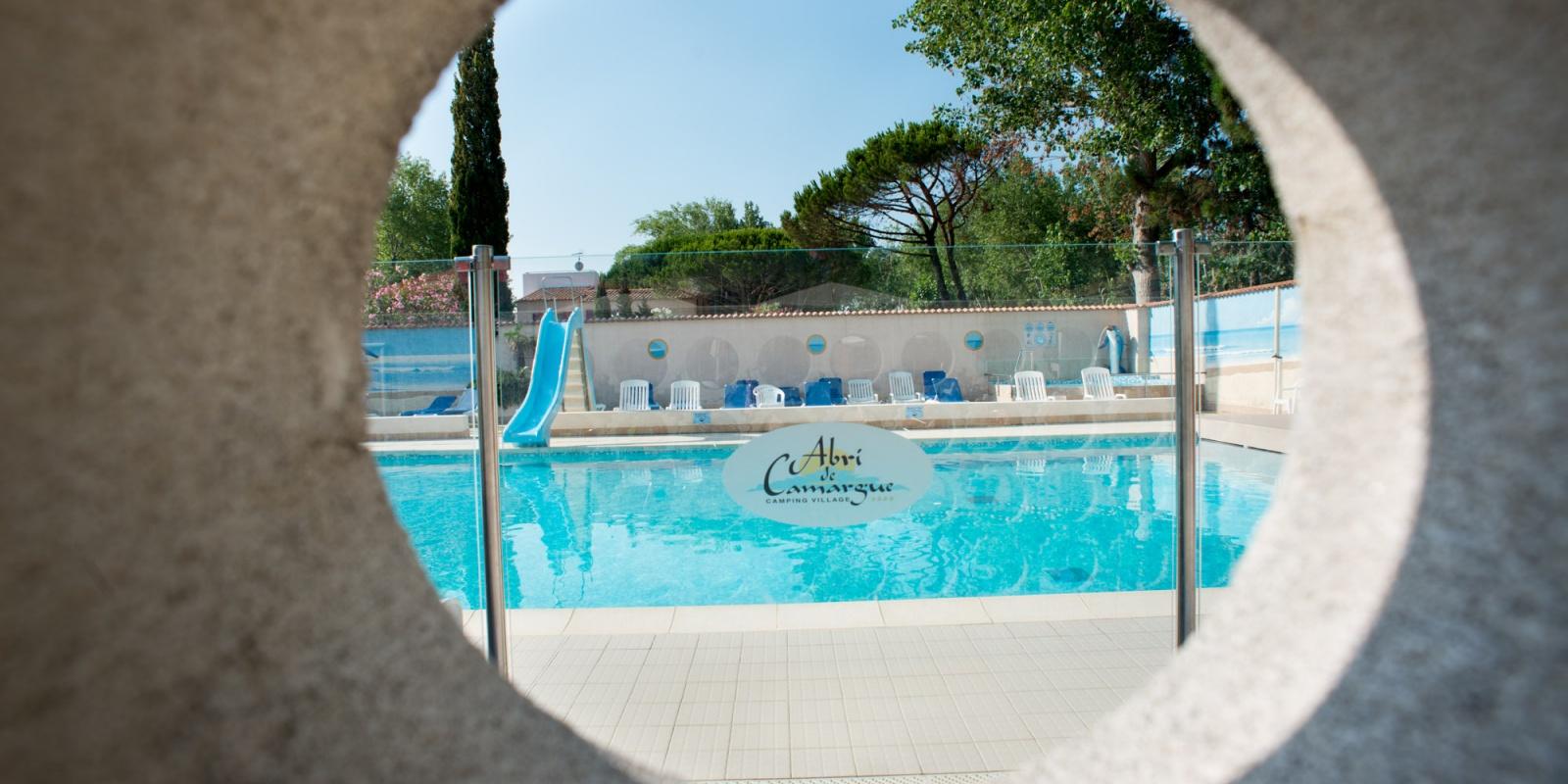 Piscine d 39 t piscine couverte camping au grau du roi for Piscine pour camping